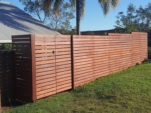 Horizontal Decking & Privacy Screens